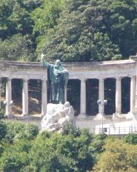 м. Будапешт. Пам'ятник св. Геллерту.