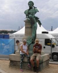 м. Будапешт. Пам'ятник Габору Сарвашу.