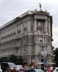 м. Будапешт. Будинок № 1 на проспекті Адраші.