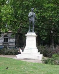 м. Будапешт. Пам'ятник Балінту Балаші.