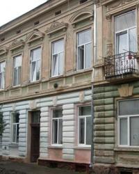 м. Чернівці. Будинок № 24 по вул. Переяслівській.