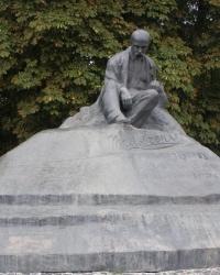 Пам'ятник Тарасові Шевченку в Ромнах