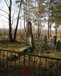 с. Певцы. Братская могила советских воинов.