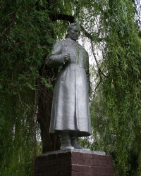 с. Салтыкова Девица. Братская могила