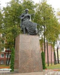 Братская могила на площади Труда в Гомеле