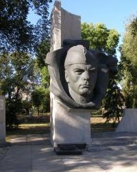 смт Велика Новосілка. Меморіал воїнам-визволителям на загиблим землякам