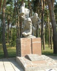 с.Засулля. Братська могила та пам'ятний знак загиблим односельцям.