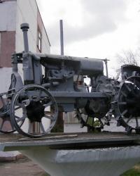 """Трактор """"Универсал У-2"""" в Котельве"""