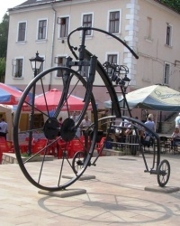 Памятник велосипеду