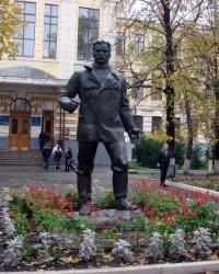 Памятник Артёму на улице Артёма, г. Харьков
