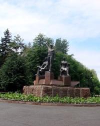 Памятник энергетикам в посёлке Комсомольский