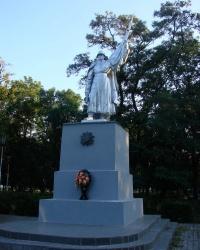 Братская могила в парке соцгородка Балаклеи