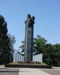Мемориал погибшим советским воинам в селе Гусаровка