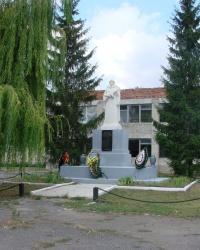 Братская могила в селе Ивановка