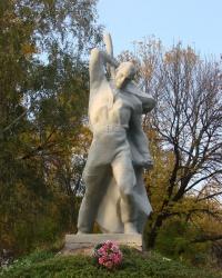 Братская могила в Золочеве