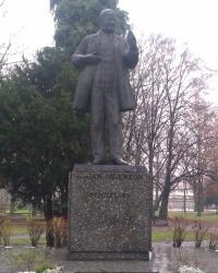 Памятник Яну Дзержону в городе Ключборк
