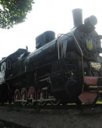 Памятник-паровоз в Волновахе