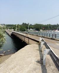 Понтонный мост через реку Дон на остров Зелёный