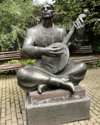 Статуя кобзаря в Переяславі-Хмельницькому