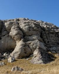 Аккот-Джамі – скеля, що розмовляє. Схов.
