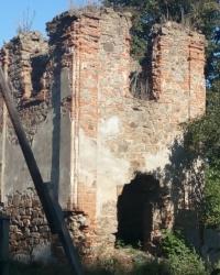 Руины звонницы василианско-доминиканского монастыря середины 17 века г. Винница.