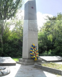Мемориал на братской могиле односельчан с. Соколовка