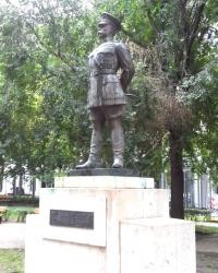 Памятник  генералу Бендхольцу в Будапешті