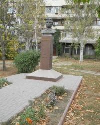 Памятник Кирову в Мелитополе