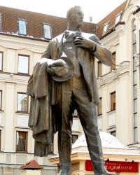 Памятник Федору Шаляпину в Казани