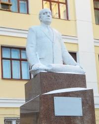 Памятник Туполеву в Казани