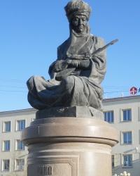 Памятник композитору Дине Нурпеисовой в Атырау