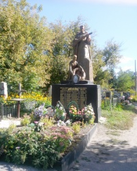 Братська могила воїнів у Лебедині