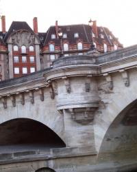 Міст Пон-Неф у Парижі