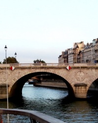 Міст Сен-Мішель у Парижі