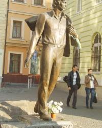 Пам'ятник Володимиру Івасюку у Львові