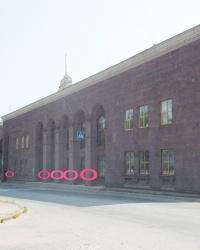 Семь реперов на здании управления ДнепроГЭСа