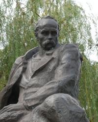 Памятник Т.Г.Шевченко в Мариуполе