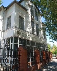 Здание в Мариуполе в котором товарищи Сталин, Егоров, Нёмитц и Домбровский в 1920 году пребывали