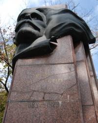 Памятник М.Д.Томасу в Одессе