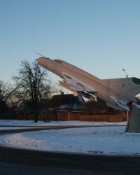 Памятник самолету МиГ-21СМ  в г. Миргород