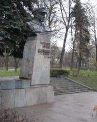 Памятник Станиславу Косиору (демонтирован) в Киеве