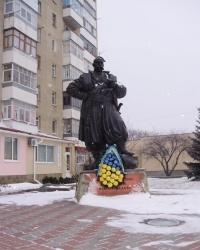 Сквер казацкой славы с памятником Миргородским казакам