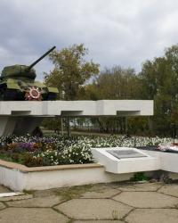 Памятник воинам-танкистам в Богодухове