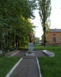 Братская могила в селе Нечаевка