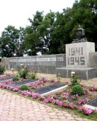 Братская могила воинов павших во время освобождения г. Запорожье в 1943 году (ул. Скворцова)