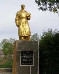 Памятник погибшим односельчанам в с. Стрыева