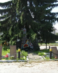 Памятник воинам в пгт. Яблонец