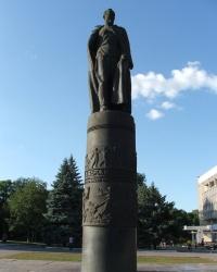Памятник Дзержинскому в Днепродзержинске
