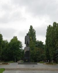 Памятник Ленину в Чернигове