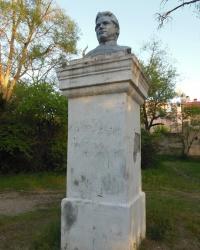 Заброшенный памятник Кирову в Евпатории